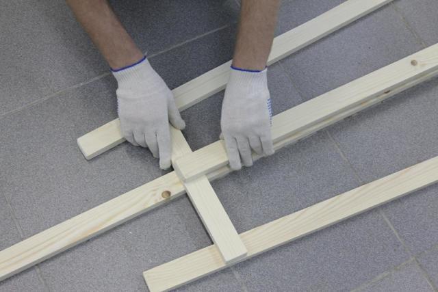 Как сделать мольберт своими руками? Конструкция самого простого и практичного мольберта